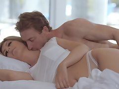 Morning blowjob makes him horny give drill pussy be beneficial to Daphne Stake