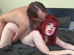 Amateur redhead receives a big cock to suit her deep sexual desires