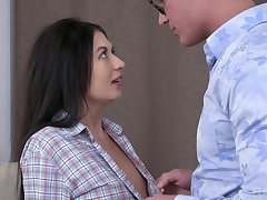 Dude kisses girl Roxy Sky fucking her sloppy shaved pussy missionary
