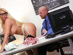 Inane fucking on the office table with secretary Samantha Silver