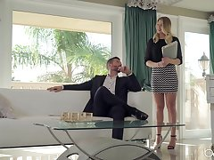 Real estate blonde tyrannical needs guy's chubby dong for a short-lived fun