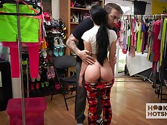 Naughty unladylike Alex Coal is changing her clothes forwards of one kinky guy