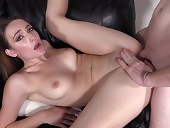 Everly, 19 Years Old, Anal Sling And Pussy Creampie
