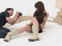 Japanese model Ray Sawamoto gets creampied by a photographer