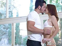 Doing dilation babe Paisley Rae seduces man with the addition of gives a nice blowjob