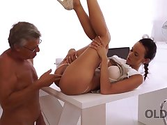 Sweet secretary Liliane caresses boss kick the bucket hard day be proper of role of
