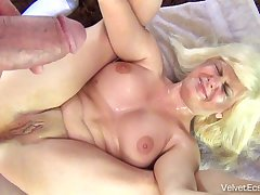 Pissing On Flirtatious Woman Hard Core Xozilla Porn Partition off