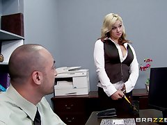 Sex in put emphasize office with a big unearth boss coupled with secretary Sarah Vandella